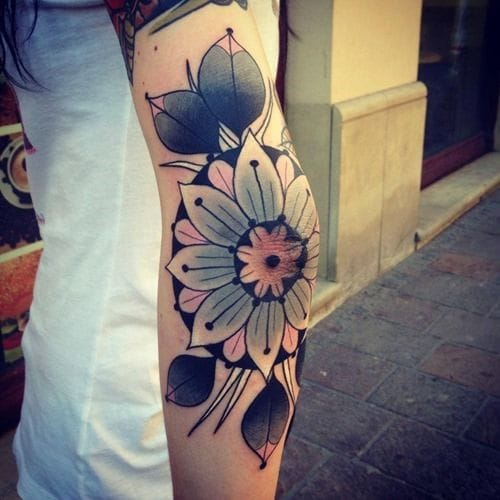 Lovely flower tattoo on elbow. Unknown artist #elbowtattoo #elbow #flower #mandala