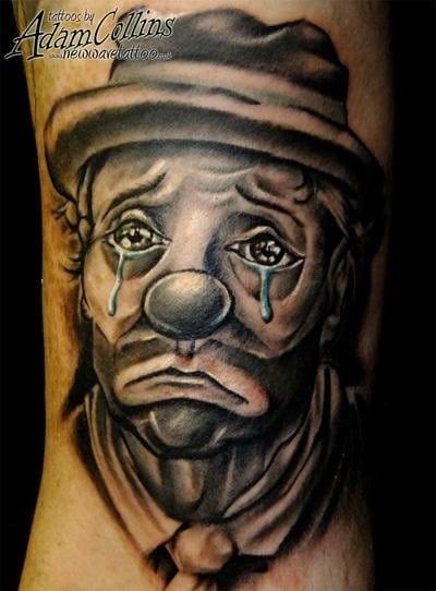 Eles também tem sentimentos, Tattoo de Adam Collins