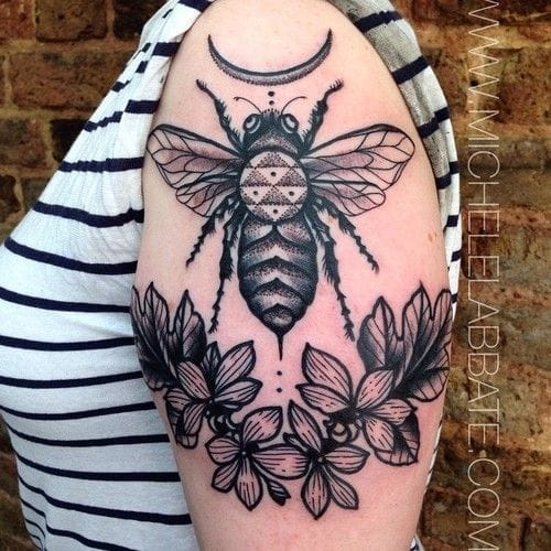 Dotwork bee by Michele L'Abbate