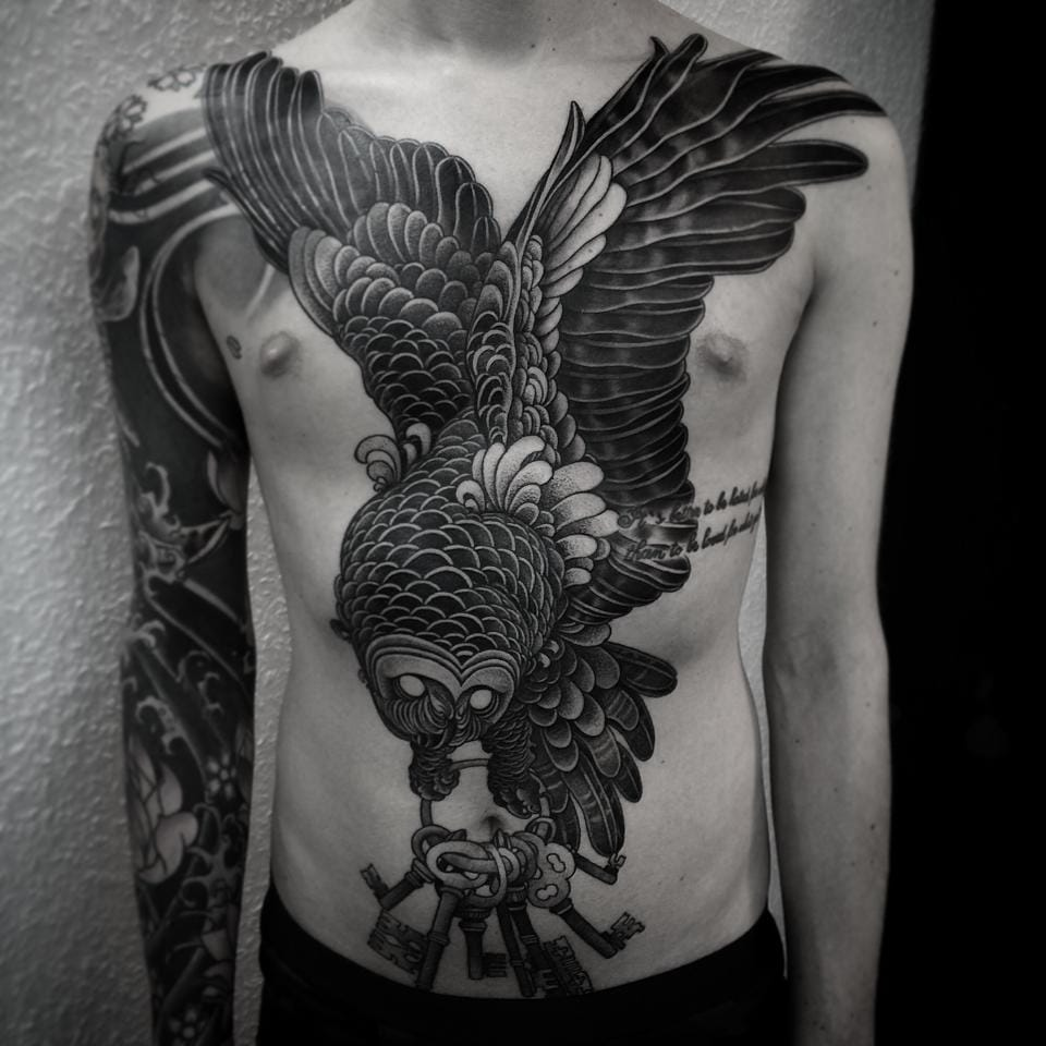 An epic take on the classic owl chestpiece...