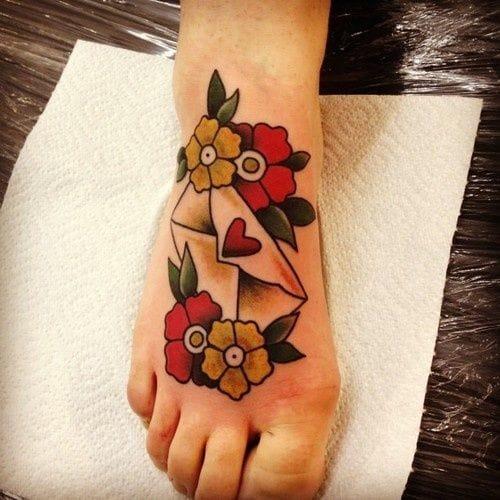 Jemma Jones did this great foot piece #jemmajones #loveletter #lovelettertattoo #lettertattoo