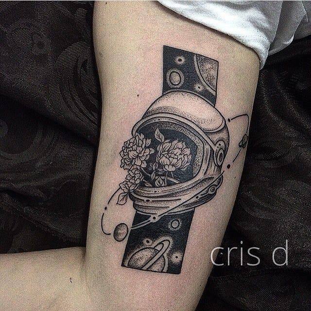 Creative tattoo by Cristian Douglas.