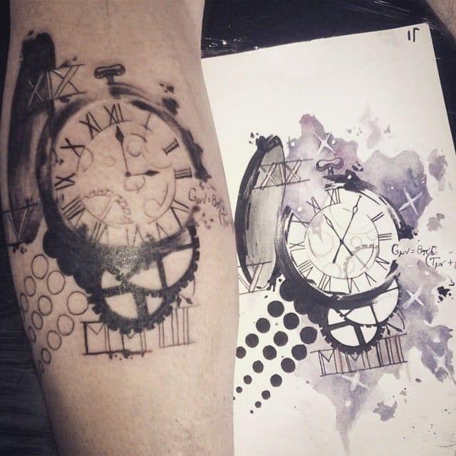 Relógio em preto e cinza