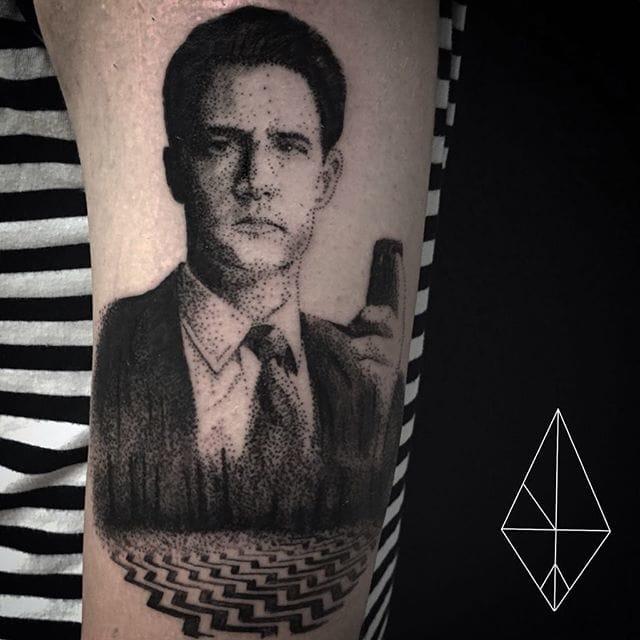 Cool tattoo of Twin Peaks' Dale Cooper.