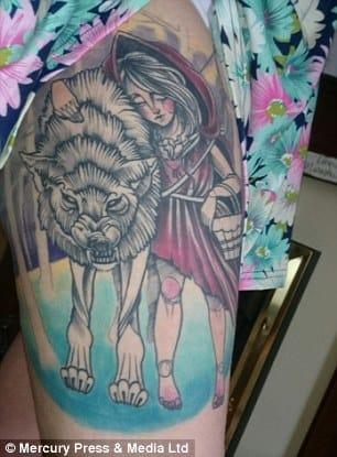 Esperamos que a tatuagem traga a vida de Nicole de volta