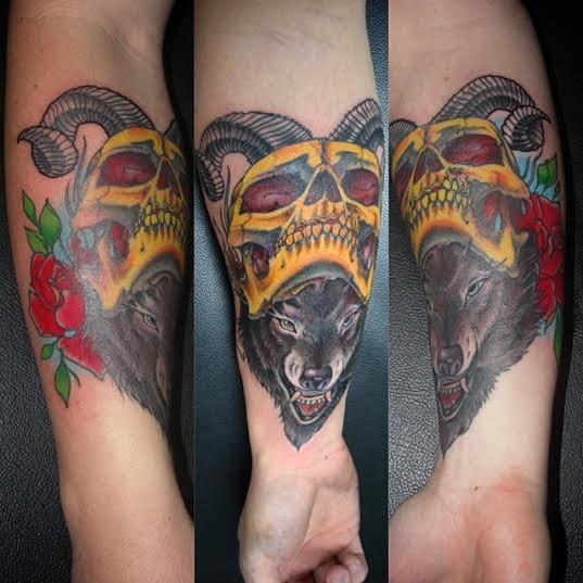 Caveira e lobo
