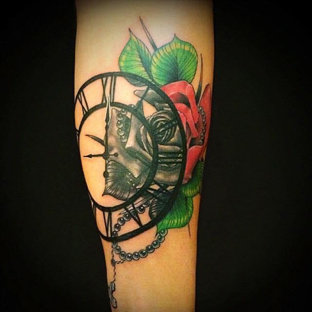 Linda tatuagem colorida