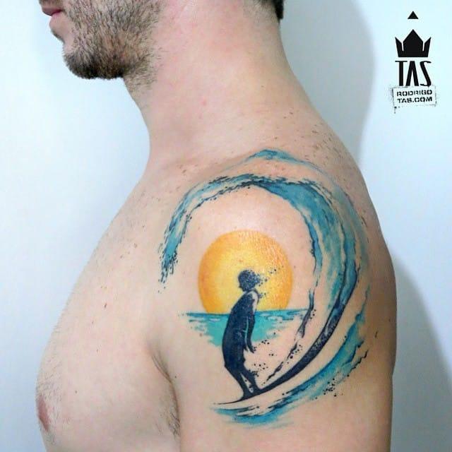 Lovely surfer by Rodrigo Tas!