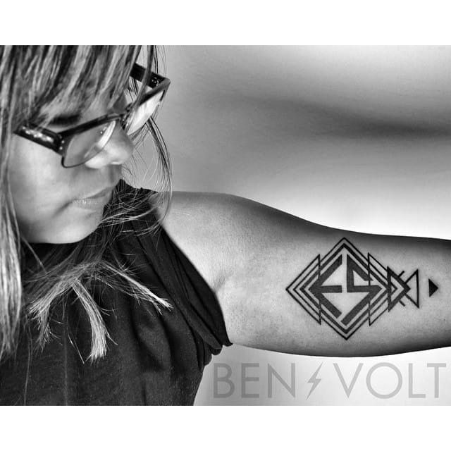 Geometric E by Ben Volt.