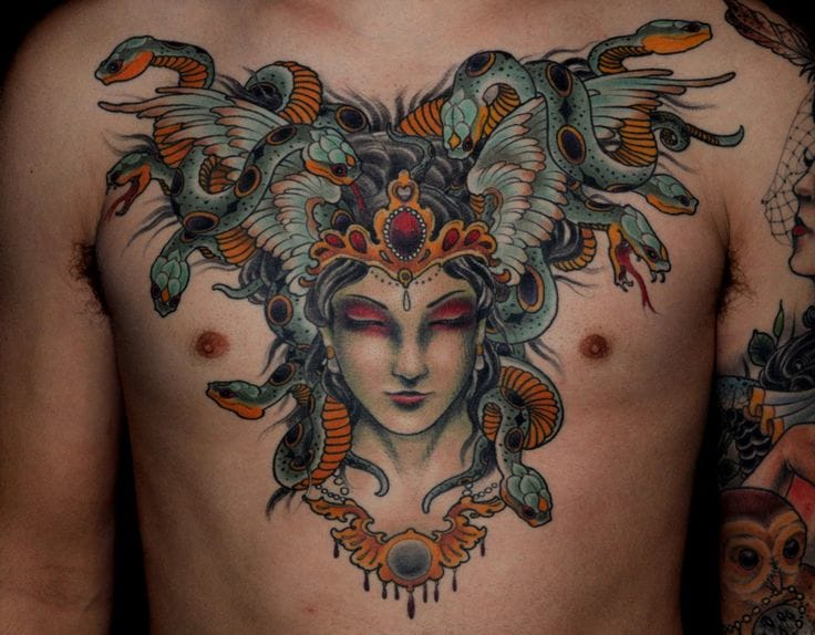 Linda chest piece de Ryan Mason
