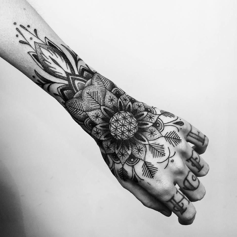 Gorgeous piece by Toma Pegaz. wristband tattoos