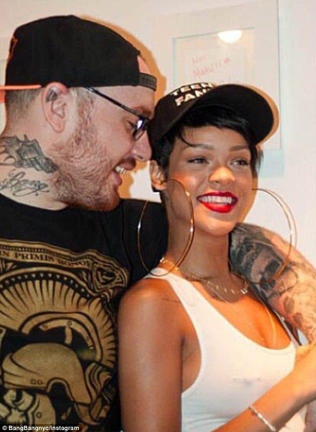 Bang Bang did the Egyptian underboob of Rihanna.