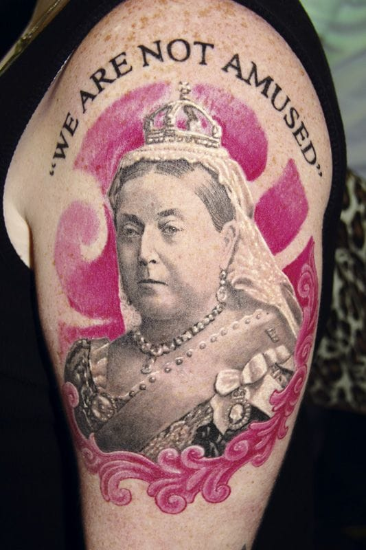 This portait of Queen Victoria has some sense of humor ...