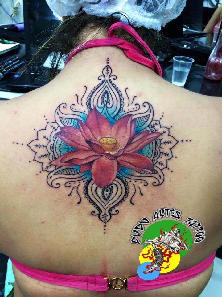 Linda tattoo feminina