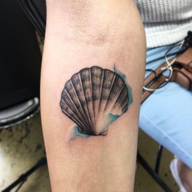 15 ravishing seashell tattoos tattoodo for Seashell tattoo meaning