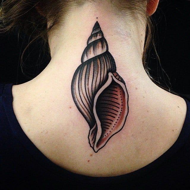 Stylish nape tattoo by Elia Landi.