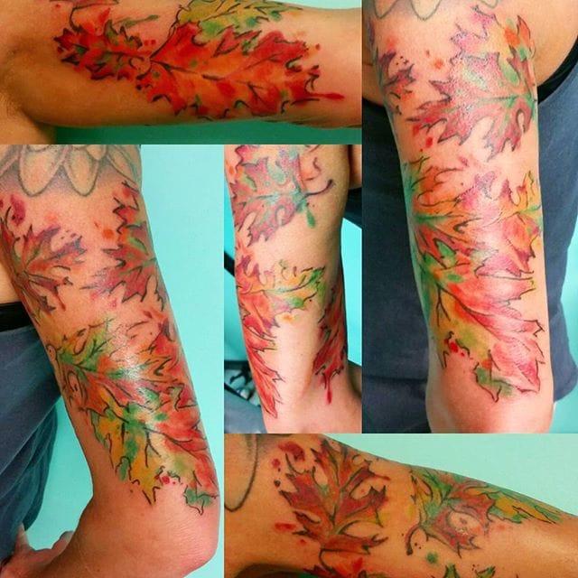 Half sleeve leafs, via @kat.akerman.arts