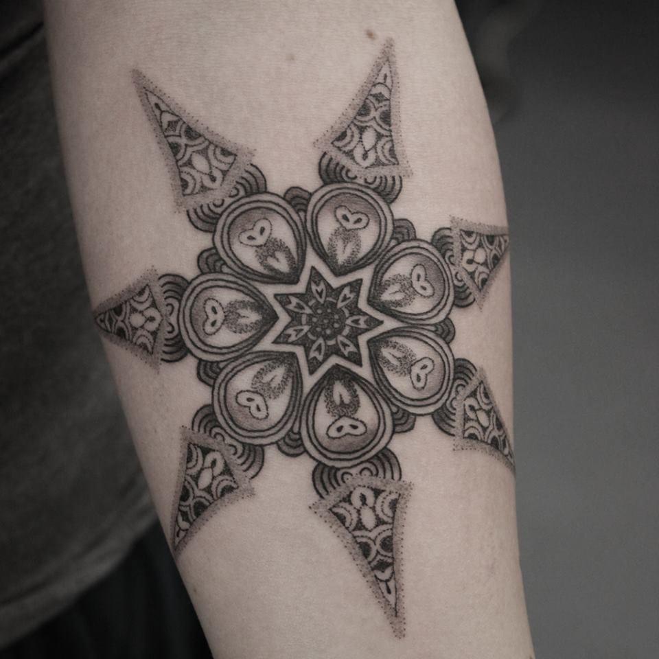Arte Do Pontilhismo Em 15 Tatuagens Maravilhosas Parte 2