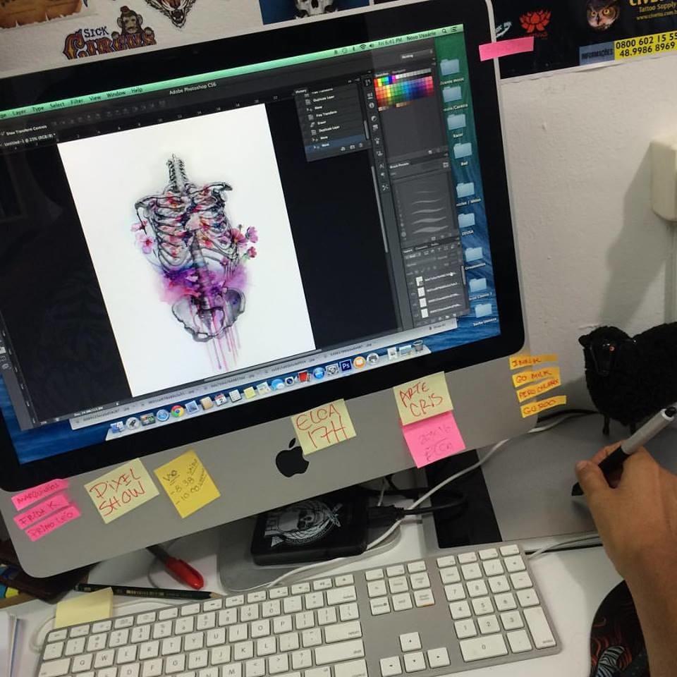 Além de ótimo desenhista, Natan é fera no Design Gráfico!