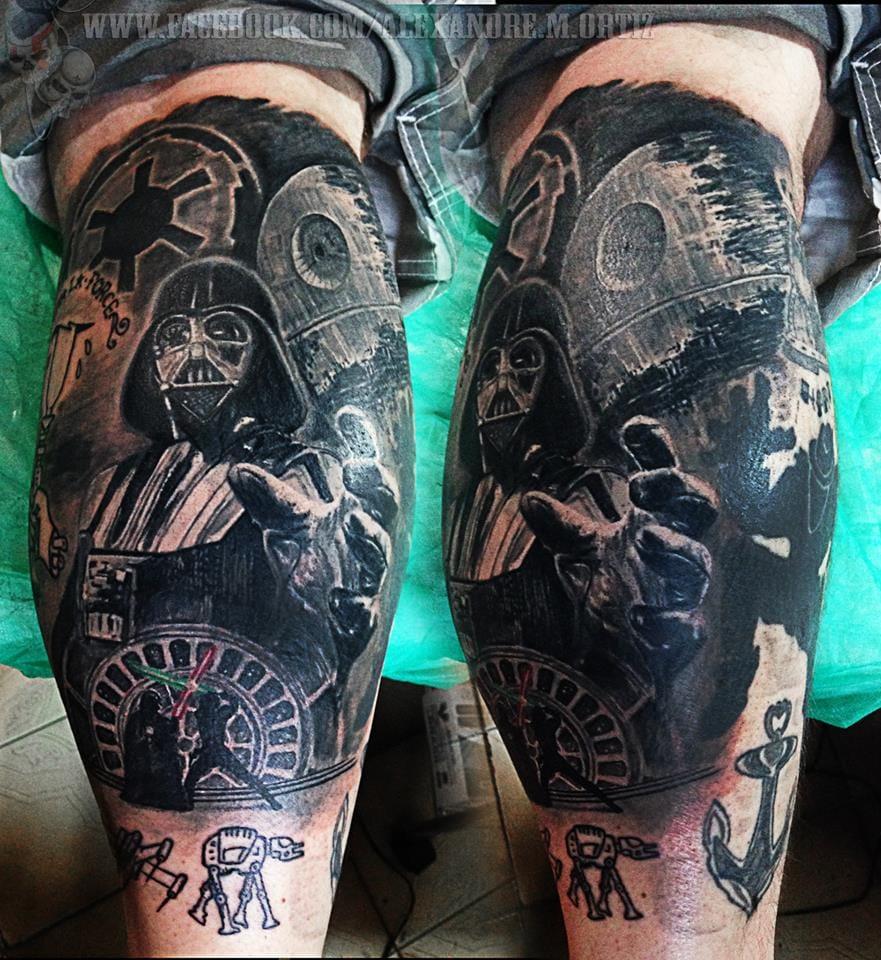 Tatuagem de Star Wars toda em blackwork
