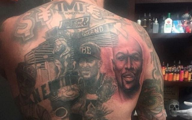 Mayweather Fan Has An Entire Backpiece Dedicated To The Boxer!!