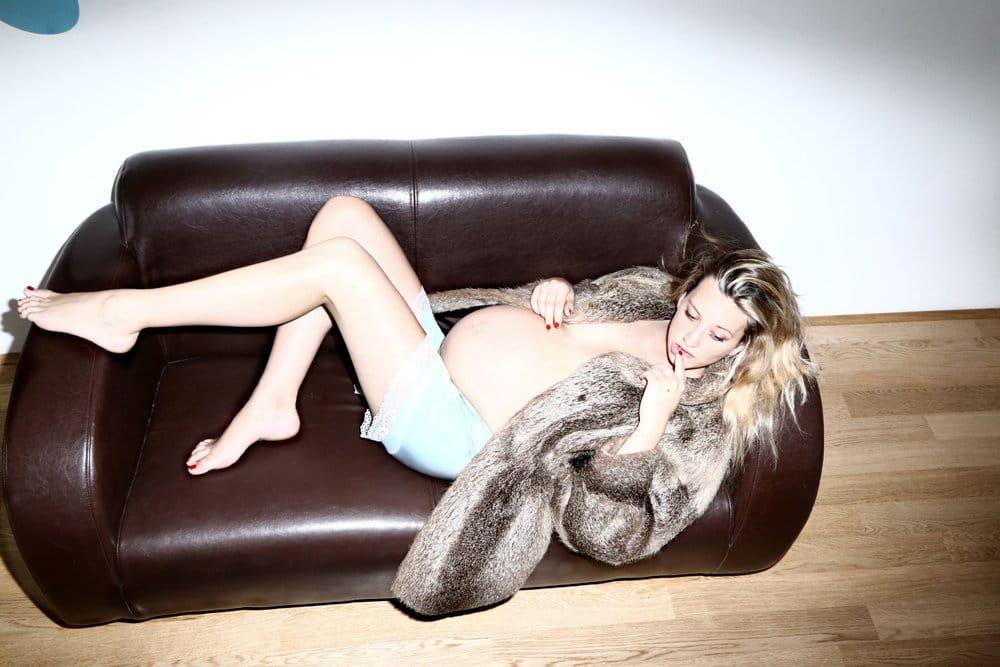 Tattooed pregnant model Mateia Kogoj