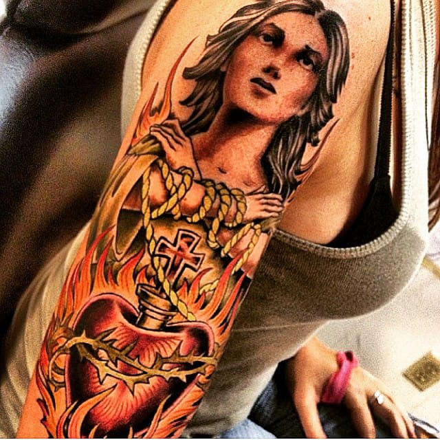 Incredible Tattoo, unknown artist!!