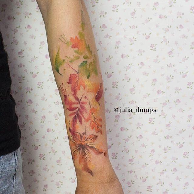 Delicate tattoo by Julia Dumps