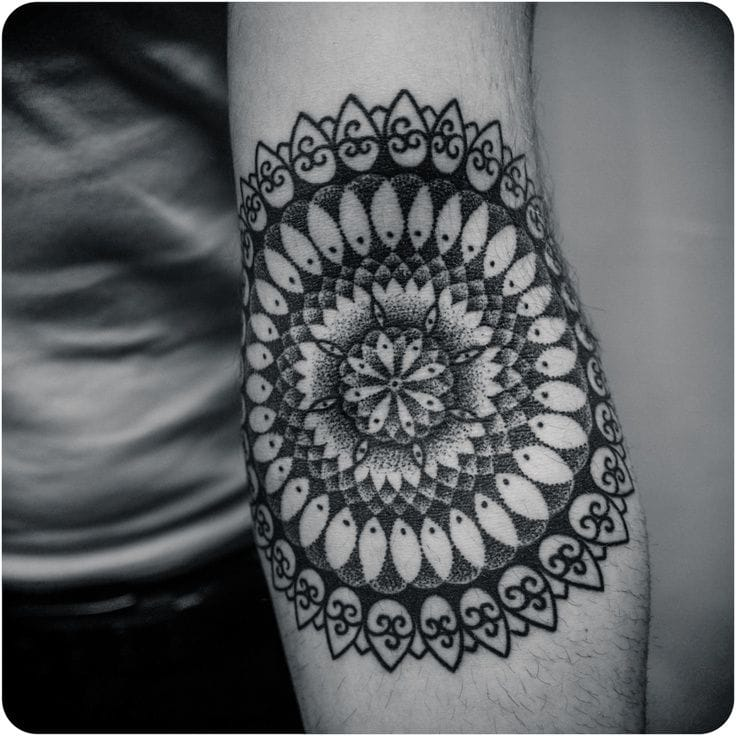 Mandala tattoo by Guy le Tatooer #mandala #mandalatattoo #geometric #ornaments