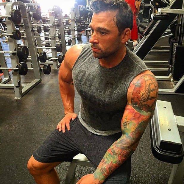 Tattooed Fitness Bro John Romaniello Will Make You Look AWESOME!