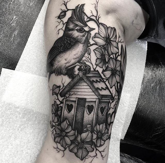 Superb tattoo by Kelly Violet!