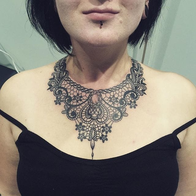 Fancy necklace by Nives Fliser.