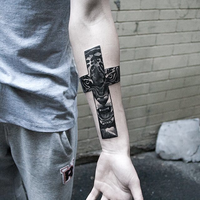 Christian Tattoo, Cross tattoo