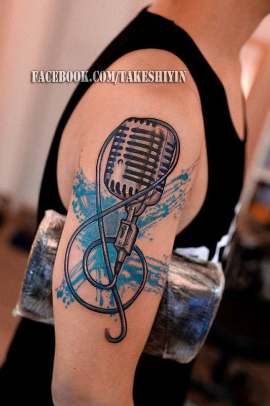 G clef and vintage microphone by Takeshiyin.