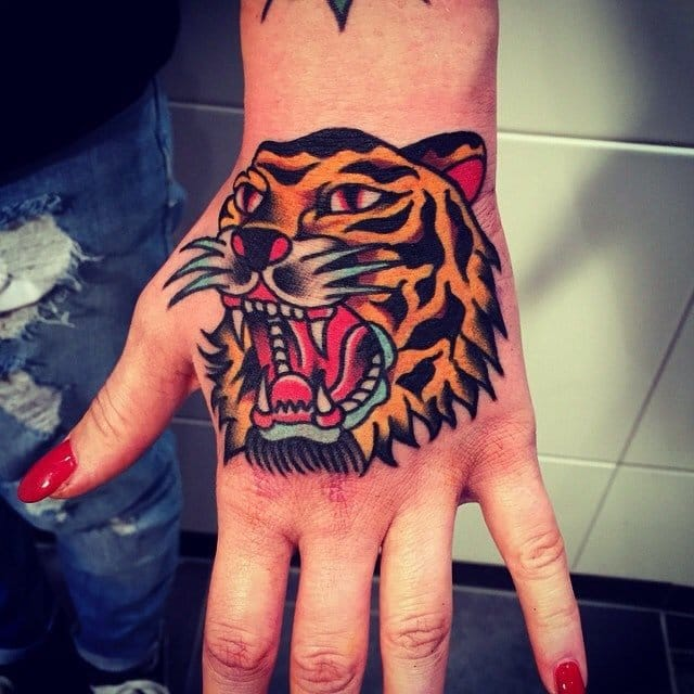 8 Awesome Tiger Head Tattoos On Hands