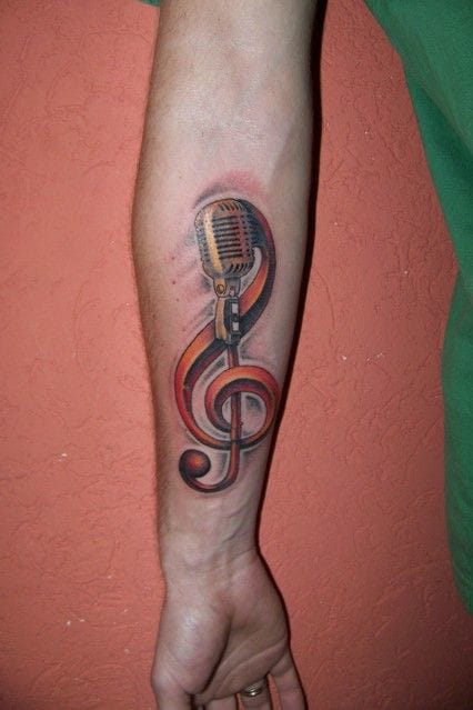 Another G clef and mic by Manta.