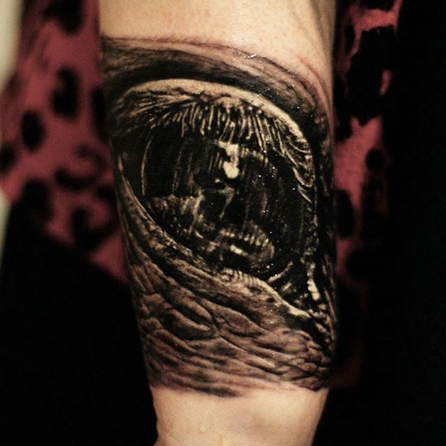 the 27 most unnervingly hyperrealistic eye tattoos ever tattoodo. Black Bedroom Furniture Sets. Home Design Ideas