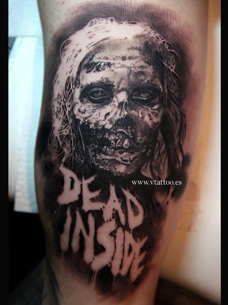 Mais uma tatuagem em realismo preto e cinza de Miguel Bohigues