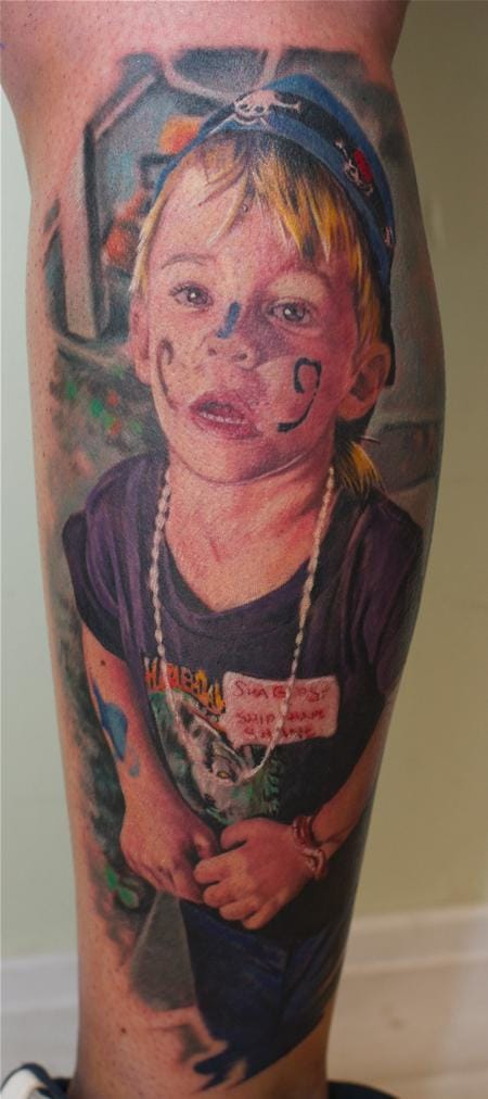 Who could resist this little rascal? By Remis. #remis #portraittattoo #childportraittattoo