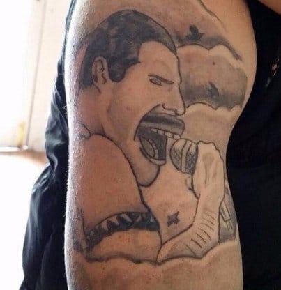 15 Tatuagens Curiosas E De Gostos Nada Convencionais