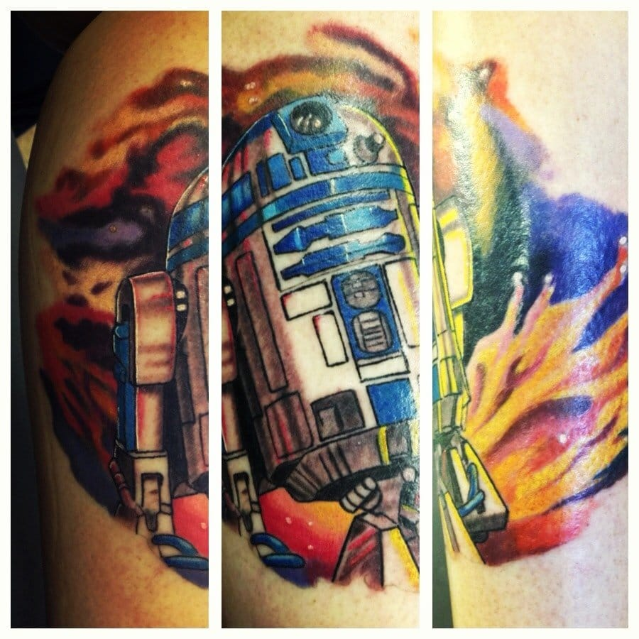 Awesome colored R2D2 Tattoo