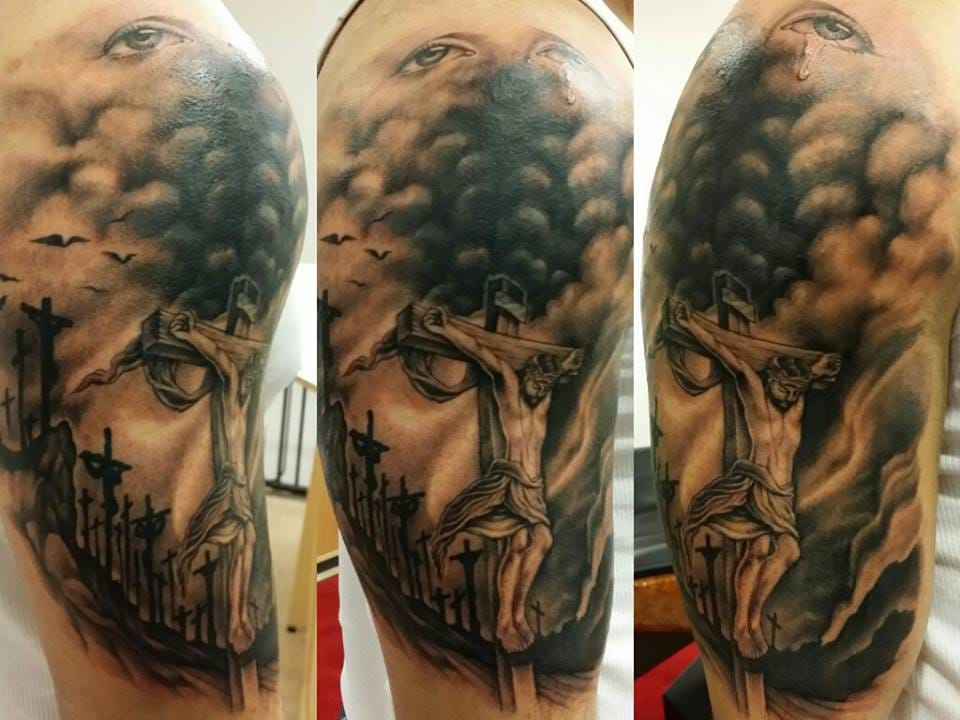This was done by my tattoo mentor in the Philippines, Alex Rodolfo. He now tattoos in Sweden. Awesome work! Can you spot it?
