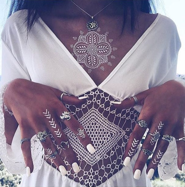 Cool and elegant on the finger and chest, via @uniquefreakofficial