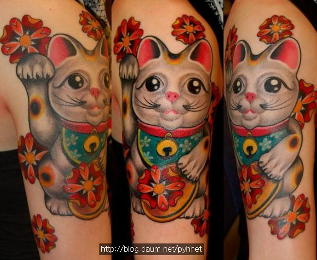 15 Purrr-Fect Lucky Cat Tattoos