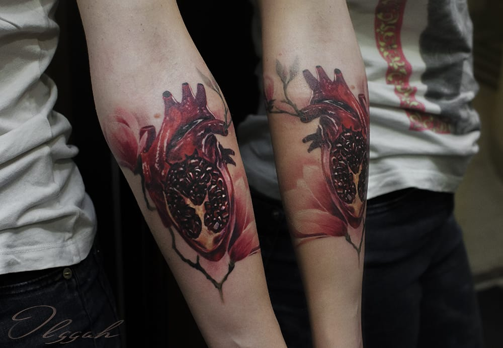 Lush anatomical heart crossed with pomegranate by Olggah