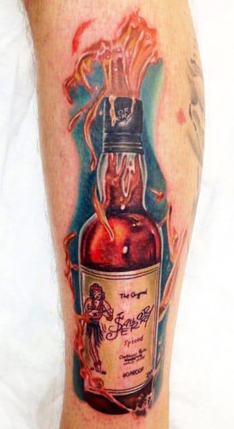 Chris Schmidt e a bebida do cara mais emblemático da tatuagem, Sailor Jerry!
