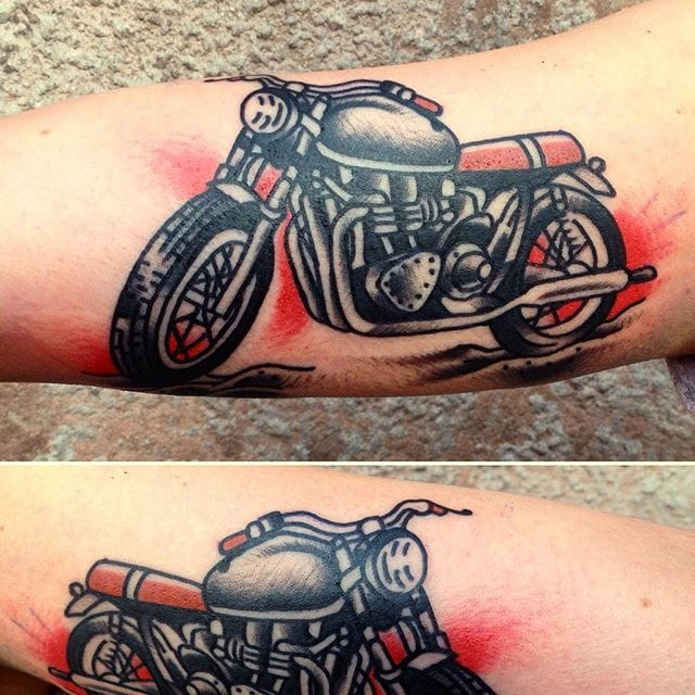 Hit the road with these 15 motorcycle tattoos tattoodo for Traditional motorcycle tattoo