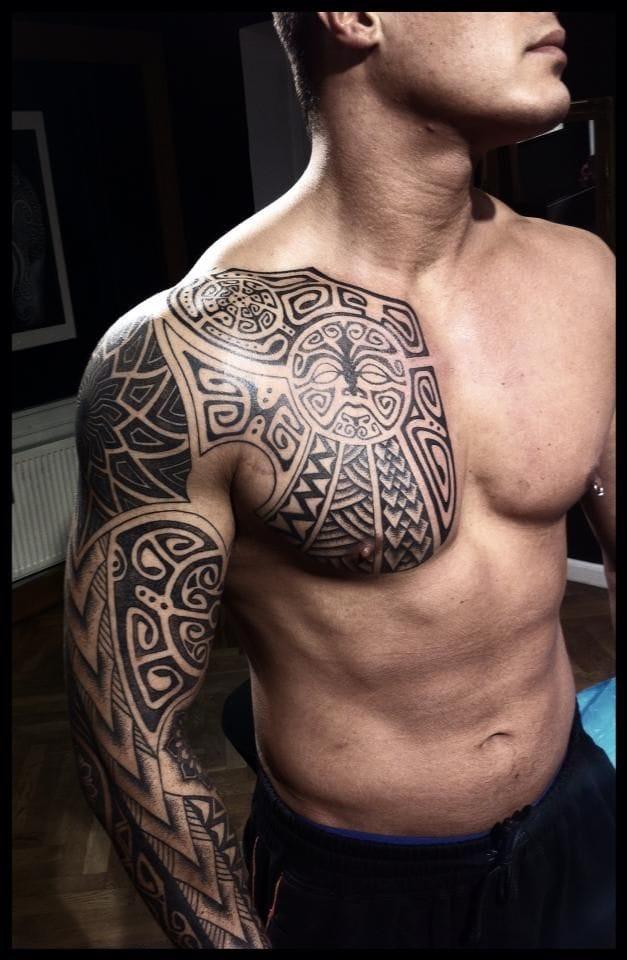 Polynesian style blackwork tattoo. An edgy twist to tribal tattoos. #tribal #tribaltattoos #lines #polynesian