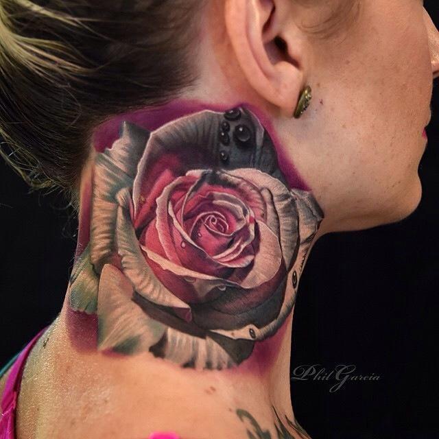 Phil Garcia e uma linda tatuagem no pescoço! Dá pra sentir o cheiro daqui
