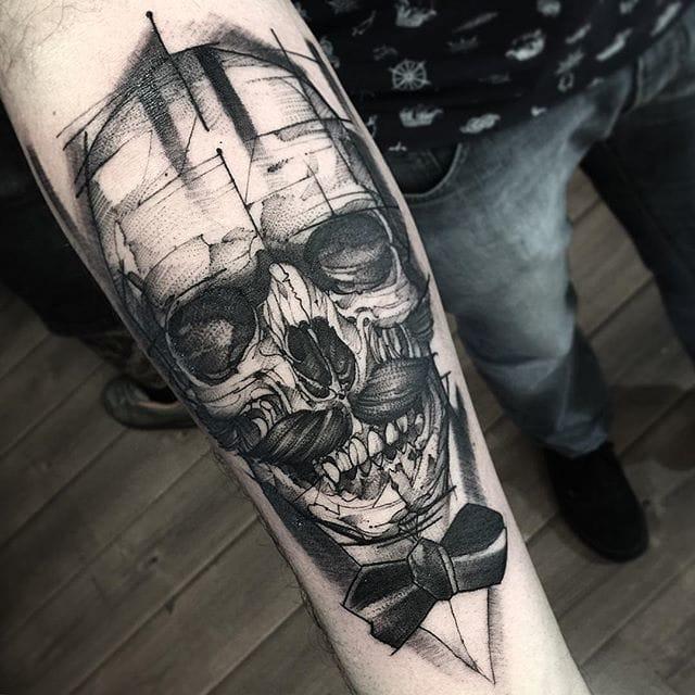 Gentlemen's Skull Tattoo by Fredao Oliveira #blackwork #blckwrk #linework #shading #abstract #sketchstyle #skull #butterfly #gentleman #FredaoOliveira